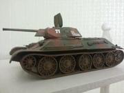 Модель танка Т-34-76 обр 1942 года Model of the T-34-76 tank.